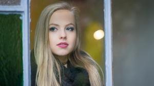 Blonde Blue Eyes Girl Lipstick Model Woman 2048x1365 Wallpaper