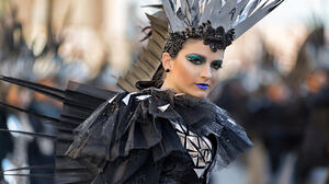 Vicente Concha Women Feathers Black Clothing Makeup Looking Away Glamour Glitter Depth Of Field Carn 2048x1280 Wallpaper