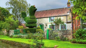 House Canal Tree Flower Fence Topiary 3000x2000 Wallpaper