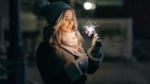 Blonde Girl Hat Model Mood Night Smile Sparkles Woman 2048x1367 Wallpaper