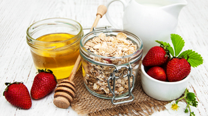 Breakfast Glass Honey Muesli Still Life Strawberry 3425x2355 Wallpaper
