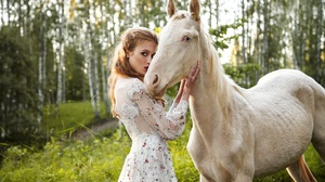 Girl Horse 2000x1333 Wallpaper