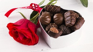Chocolate Heart Shaped Rose Valentine 039 S Day 5102x3401 wallpaper