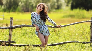 Women Model Leaning Plants Outdoors Grass Long Hair Dress Fence Looking At Viewer Red Lipstick Legs  2000x1334 Wallpaper