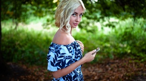 Blonde Blue Eyes Depth Of Field Dress Girl Model Short Hair Woman 2000x1333 wallpaper