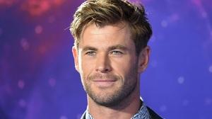 Celebrity Chris Hemsworth 1920x1302 Wallpaper