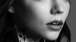 Anya Taylor Joy Women Actress Long Hair Indoors Young Woman Face Closeup Dark Hair Monochrome 1571x2000 Wallpaper