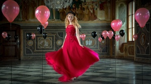 Balloon Girl Model Red Dress Redhead Woman 2048x1190 Wallpaper