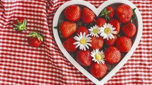 Flower Berry Chamomile 3840x2400 Wallpaper