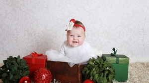 Bauble Christmas Decoration Gift Smile 1920x1440 Wallpaper