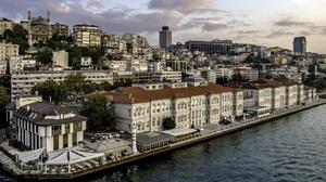 Istanbul Turkey 2048x1360 Wallpaper