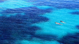 Earth Sea People Swimming Blue Turquoise 4272x2848 wallpaper