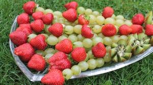 Grapes Kiwi Strawberry 1920x1266 Wallpaper