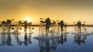 Asian Conical Hat Man People Reflection Sunrise 5120x3200 Wallpaper