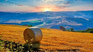Italy Campania Sunrise Hills Field Hay Hay Bales Sky Clouds Nature Landscape 3788x2144 Wallpaper