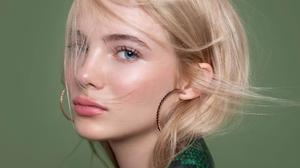 English Actress Blonde Close Up Face 3840x2160 Wallpaper