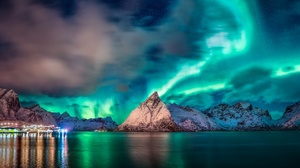 Aurora Borealis Lake Light Mountain Night Sky Winter 2048x1297 wallpaper