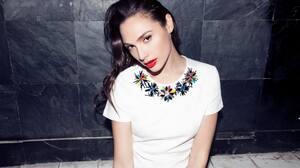 Gal Gadot Women Actress Model Israeli Long Hair Brunette Women Indoors T Shirt 1872x1248 wallpaper