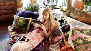 American Blonde Dress Singer Sofa Taylor Swift 2048x1365 Wallpaper