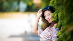Asian Brown Eyes Brunette Depth Of Field Girl Model Smile Sunglasses Woman 3000x2001 wallpaper