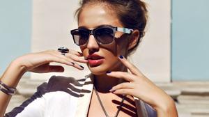 Women Sunglasses Luxury Makeup Model Fashion Portrait Brunette Necklace Rings 4500x3000 Wallpaper