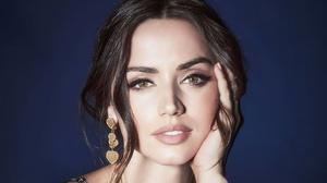 Actress Face Cuban Brunette Green Eyes Close Up Earrings 3840x2160 Wallpaper