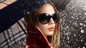 Umbrella Blonde Sunglasses Open Mouth Raincoat Rain Trench Coat Burberry Red Coat Women With Umbrell 1920x1200 Wallpaper