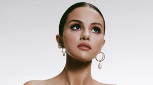 American Brown Eyes Brunette Earrings Face Selena Gomez Singer 4480x2520 Wallpaper