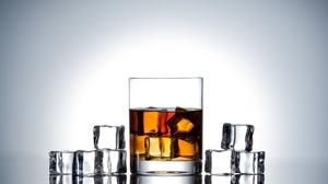 Alcohol Drink Glass Ice Cube Whisky 2048x1366 Wallpaper