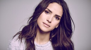 Adria Arjona Women Brunette Dark Hair Latinas Simple Background 1280x853 Wallpaper