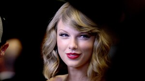 American Blonde Blue Eyes Lipstick Singer Smile Taylor Swift 3000x2000 Wallpaper