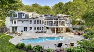 House Mansion Pool 2048x1366 Wallpaper