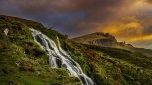 Cloud Mountain Scotland 5573x3554 Wallpaper