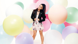 Actress Ariana Grande Balloon Brown Eyes Brunette Dress Ponytail Singer 2000x1498 Wallpaper
