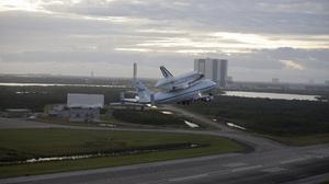 Aircraft Airplane Nasa Shuttle 2048x1365 Wallpaper