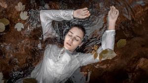 Women Model Women Outdoors Closed Eyes Wet Hair Water Leaves 2560x1440 Wallpaper