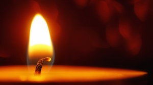 Candle Flame Macro 2010x1362 Wallpaper