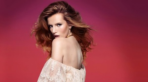 Actress Bella Thorne Girl Redhead 2048x1152 wallpaper
