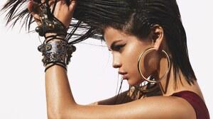 American Singer Brunette Earrings Jewelry 3000x2405 Wallpaper