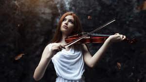Girl Playing Violin 2000x1334 Wallpaper