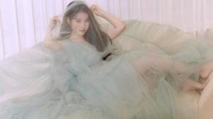 IU Iu Lee Ji Eun Women Korean Green Dress Veils 2726x1628 wallpaper