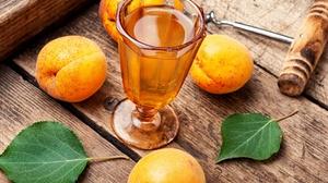 Glass Apricot Fruit 2000x1333 Wallpaper
