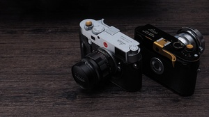 Leica Lens 2048x1152 wallpaper