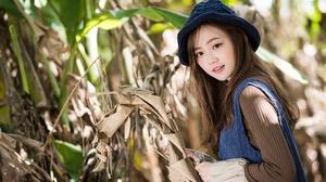 Woman Model Depth Of Field Hat Brunette Brown Eyes 2048x1367 wallpaper