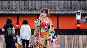 Women Asian Women Outdoors Traditional Clothing Public Kimono Korean Women Looking Away 3840x5760 Wallpaper