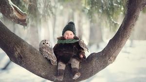 Baby Bird Girl Owl Trunk Winter 2500x1667 Wallpaper