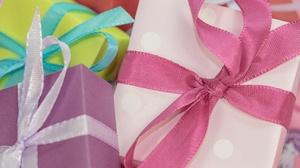 Box Ribbon 4608x3072 Wallpaper