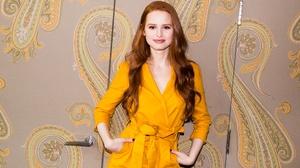 Actress American Redhead Long Hair Smile 2000x1333 wallpaper