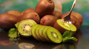 Fruit Kiwi 3840x2560 Wallpaper