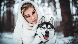 Women Model Face Dog Animals Mammals Women Outdoors 500px Makeup Looking At Viewer Winter Anton Hari 2000x1125 Wallpaper